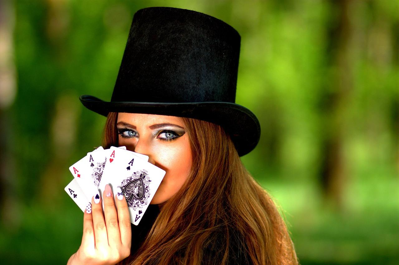 カジ旅でポーカーは勝てるのか?全資金を使い果たす勢いで挑戦